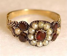 English Georgian Ring with Garnets & Pearls.My birthstone and pearls. Victorian Jewelry, Antique Jewelry, Vintage Jewelry, Antique Silver, Vintage Engagement Rings, Vintage Rings, Vintage Pearls, Bijoux Art Deco, Jewelry Accessories