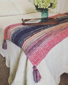 Crochet Afghans, Crochet Stitches, Crochet Blankets, Scrap Yarn Crochet, Chunky Crochet, Crochet For Beginners Blanket, Crochet Patterns For Beginners, Beginner Crochet, Crochet Ideas