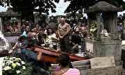 Jornal Nacional - Corpo de mais uma vítima da tragédia de Santa Maria é enterrado no Rio   globo.tv