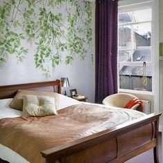 Декор стен в спальне