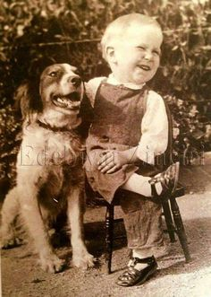 18 Delightful Vintage Photos Of Kids With Their Pets - I Can Has Cheezburger? pictures 18 Delightful Vintage Photos Of Kids With Their Pets Animals For Kids, Cute Animals, Funny Animals, Vintage Abbildungen, Vintage Illustration, Tier Fotos, Vintage Photographs, Funny Vintage Photos, Antique Photos