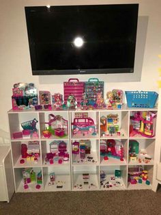 Kids Rooms What Fathers Need to Know Copyright 2006 Cole's Poetic License Effects Shopkins Room, Doll Storage, Princess Room, Daughters Room, Toy Rooms, Toy Organization, Little Girl Rooms, Girls Bedroom, Bedroom Ideas