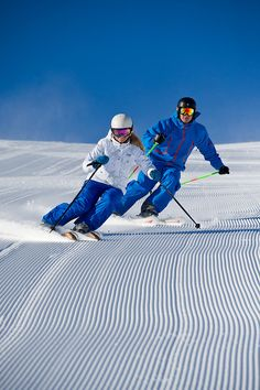 Ski - first to hit the groomed run. Must start early than me. Whoops did I just say that out loud? www.snowskiingfun.com