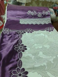Cutwork Embroidery, Machine Embroidery, Embroidery Designs, Karen Millen, Bed Covers, Bed Sheets, Blouse Designs, Sims, Needlework