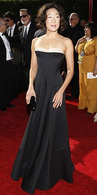 Sandra Oh en Bottega Venetta #Emmys