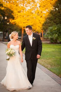 Jos. A. Bank tux for an Orlando, FL Wedding - Photography By / http://laurayangphotography.com,Floral Design By / http://sherryflowers.com