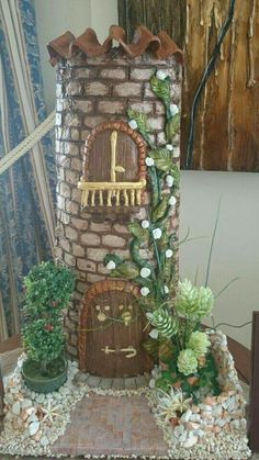 Bottle Box, Diy Bottle, Creative Crafts, Diy And Crafts, Arts And Crafts, Fairy Garden Houses, Miniature Rooms, Bottle Painting, All Craft