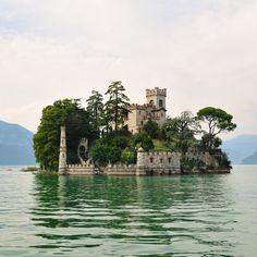 Loreto Island, Lake Iseo, Italia