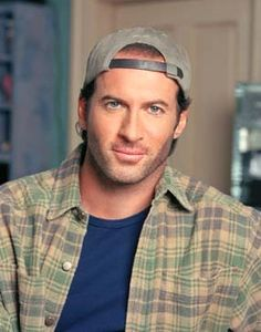 Thinking of Gilmore girls. Still the only man who can rock a baseball cap and look good.