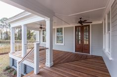 JacksonBuilt Custom Homes Mount Pleasant Charleston South Carolina<br> Modern Front Porches, Farmhouse Front Porches, Modern Farmhouse Exterior, Decks And Porches, Front Porch Railings, Deck Railings, Cable Railing, Railing Ideas, Balcony Railing
