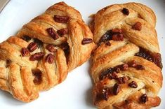 Pecan Nuts, Maple Pecan, Strudel, Easy Cake Recipes, Dessert Recipes, Desserts, Pecan Danish Recipe, Pastry Recipes, Baking Recipes