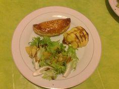 poivre, fond de volaille, cidre, oeuf, pomme, beurre demi-sel, farine, pâte feuilletée, foie gras, sel