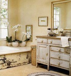 meubles de salle de bain en bois à aspect usé
