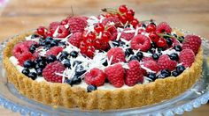 SWE/ Berry pie with white chocolate. Bake without oven. A favorite pie of raspberries and blueberries or strawberries or blackberries. Digestive Biscuits, Berry Pie, Mascarpone Cheese, Swedish Recipes, Dessert Recipes, Desserts, Blueberry, Raspberry, Sweets