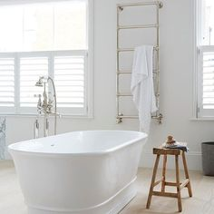 Dreaming of a gorgeous bathroom? Whether you're looking for Hollywood glamour or country house charm, get inspired by these luxury bathroom ideas Modern Luxury Bathroom, Classic Bathroom, White Bathroom, Small Bathroom, Master Bathroom, Cosy Bathroom, Bathroom Ideas, Bathrooms, Bathroom Showers