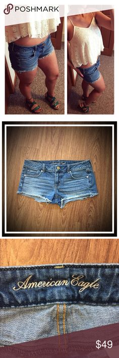 "American Eagle raw edge mid-rise denim shorts {10} 📦Same day shipping (as long as P.O. is open for business). ❤ Measurements are approximate. Descriptions are accurate to the best of my knowledge.  American Eagle raw edge mid-rise denim shorts {size 10}  A sexy summer staple from American Eagle. These classic raw edge shorts have traditional 5-pocket styling. 100% washable cotton. Beautiful Medium wash. Mid-rise. 17"" across waist, 8.5"" rise, 2.5"" inseam. Smoke/pet free home. Excellent…"