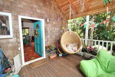 www.bookabach.co.nz/22108 - Kaivalya, Palm Beach, Waiheke Island It's oh so Waiheke! #islandstyles