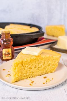 Easy Skillet Cornbread - make this easy cornbread with simple ingredients from your pantry. It is a great recipe to serve with chili, pork, or soups. Homemade Cornbread, Sweet Cornbread, Cornbread Mix, Pumpkin Butter, Apple Butter, White Corn Meal, Skillet Cornbread, Southern Dishes, How To Make Bread