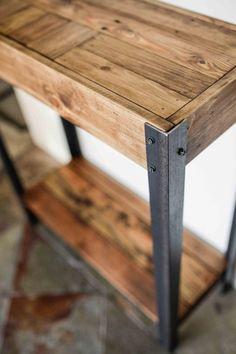 Table palette bois Hall d'entrée - Diy Furniture Repuspose Wooden Pallet Projects, Wooden Pallet Furniture, Furniture Plans, Rustic Furniture, Diy Furniture, Pallet Ideas, Diy Projects, Luxury Furniture, Pallet Designs