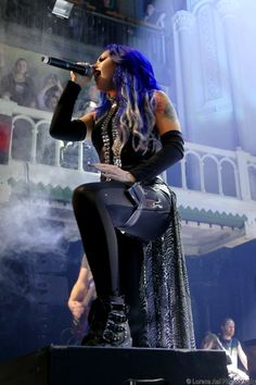 Alissa White Gluz in the theatre!