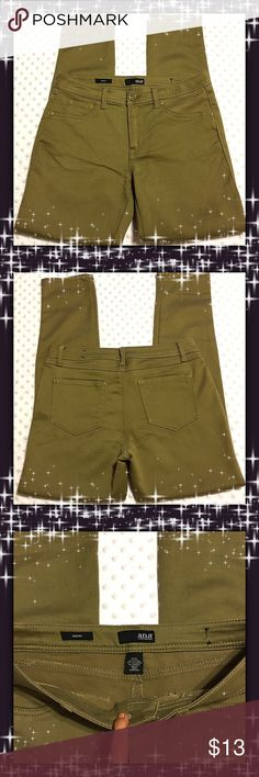 A.N.A Skinny Pants Like New. Excellent Condition. a.n.a Pants Skinny