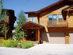 Steamboat Springs, CO: 4 Bedrooms + Rec/TV room ,  5 1/2 bathrooms  Sleeps 8    Rent from the owners and save!    The Mountaineer at Steamboat with its rustic western ambian...