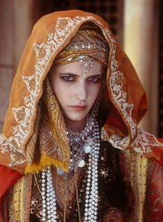 "MAIN CHARACTER CONCEPT : SIBYLLA, sister of King Baldwin.  [Eva Green/""Kingdom of Heaven""]  The real Sibylla was a beauty with wheat-gold hair."