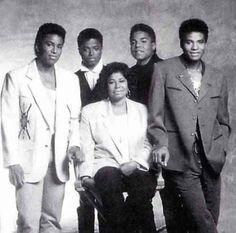 Katherine Jackson w/ her sons Jermaine, Randy, Tito & Jackie Jermaine Jackson, Randy Jackson, The Jackson Five, Jackson Family, Michael Jackson Quotes, Black Celebrities, Celebs, Hip Hop And R&b, Rock N Roll Music