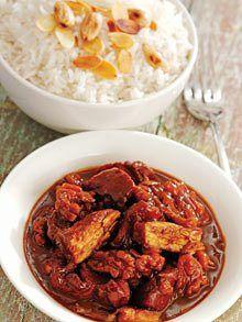 Iraqi cookbook - chicken in pomegranate and walnut sauce