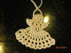 Maritas håndarbeider: Engel til jul Diy Christmas Ornaments, Christmas Ideas, Crochet Projects, Knit Crochet, Crochet Earrings, Projects To Try, Knitting, My Love, Holiday Decor