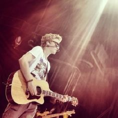 Cody Simpson ; Preview to Paradise