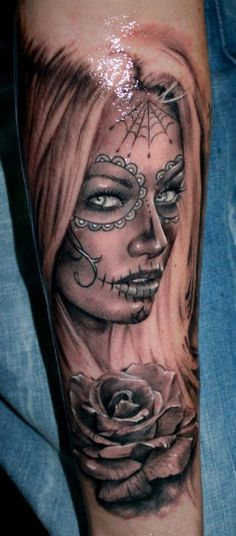 50 incredible Santa Muerte tattoos, great designs from all over the world. Pretty and colorful or dark and terrifying portraits of Santa Muerte. Best Tattoos For Women, Trendy Tattoos, Sexy Tattoos, Body Art Tattoos, Tattoo Drawings, Girl Tattoos, Tattoos For Guys, Tattoos Pics, Maori Tattoos