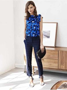 Work Attire: Mix and match patterns and prints for a chic office ready look by pairing our ultra flattering windowpane pant with our feminine blue print sleeveless blouse Business Casual Outfits For Women, Business Casual Attire, Professional Attire, Summer Business Casual, Casual Summer, Summer Work Outfits, Office Outfits, Casual Office, Summer Fashions