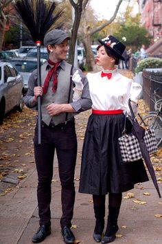 When it comes to Halloween, you could either do a solo costume, a group costume, or a couple's costume. Share the frightful night with your significant other with these cute couple's costumes for Halloween. Costume Carnaval, Hallowen Costume, Carnival Costumes, Halloween Kostüm, Halloween Couples, Halloween Costumes Mary Poppins, Mary Poppins Bert Costume, Halloween Clothes, Disney Halloween Costumes