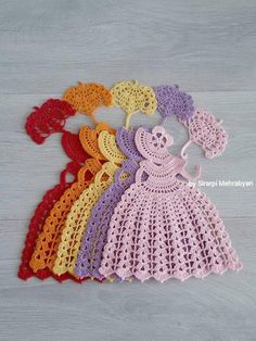 Crochet Crinoline Lady Doily with an umbrella lace Applique .- Crochet Crinoline Lady Doily with an umbrella lace Applique Crochet Doily Patterns, Granny Square Crochet Pattern, Applique Patterns, Crochet Doilies, Hand Crochet, Crochet Flowers, Crochet Buttons, Thread Crochet, Crochet Stitches
