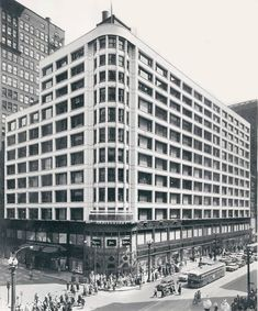 Carson, Pirie and Scott Store, Louis Sullivan, Chicago, Ill, USA 1904