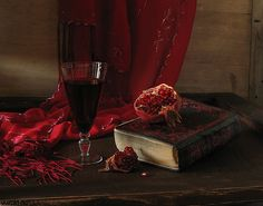 View album on Yandex. Cersei Lannister Aesthetic, Red Aesthetic, Greek Mythology, Still Life, Red Wine, Gothic, Dark, Red Photography, Houses