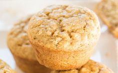 Skinny Oatmeal Brown Sugar Muffins - No oil, butter, or dairy, and just cup brown sugar in the entire batch! Healthy, skinny AND yummy. These muffins won't jeopardize your New Year's resolutions and are skinny jeans-friendly. Healthy Muffin Recipes, Healthy Muffins, Healthy Sweets, Healthy Baking, Healthy Snacks, Breakfast Recipes, Breakfast Muffins, Breakfast Potatoes, Paleo