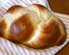 Never tried Challah bread, but bread that requires NO kneading? Sounds like a winner to me!