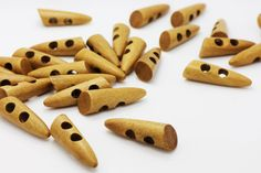 10 Light Brown Sew Through Wooden Toggles by boysenberryaccessory