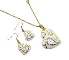Set bijuterii placate cu aur 18KRGP format din lantisor cu pandantiv si cercei deosebit de fin si elegant. www.bodyandbijoux.ro