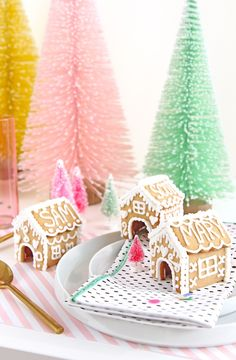 Mini Gingerbread House Place Cards On Brit   Co10 Minute DIY - Taco Holiday OrnamentsDonut Holiday Cookies On Keiko Lynn