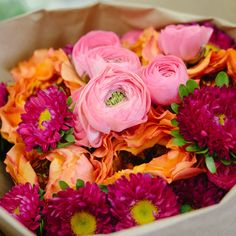 Here is some spring color inspiration from our new sample bouquet featuring Caraluna one of our orange garden roses.
