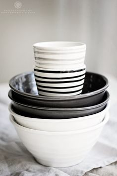 From bruka design & mio.we were in this store this past summer : ) Ceramic Tableware, Kitchenware, Kitchen Items, Kitchen Dining, Black And White Interior, White Cottage, Shades Of Black, Artisanal, Home Accessories