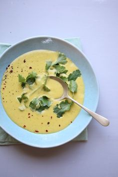 Creamy Sweetcorn & Coriander Soup - Bits Of Carey Coriander Soup, Fresh Coriander, Easy Appetizer Recipes, Appetizers, Soup Recipes, Salad Recipes, South African Recipes, Hot Soup, Soups