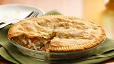 Classic Veg All Chicken Pot Pie. This is a remarkably tasty and comforting pot p. Quiche Recipes, Pie Recipes, Casserole Recipes, Flour Recipes, Turkey Recipes, Brunch Recipes, Delicious Recipes, Chicken Recipes, Cooking Chicken To Shred