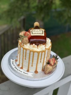 Alcohol Birthday Cake, 30th Birthday Cakes For Men, Alcohol Cake, Elegant Birthday Cakes, Cake For Boyfriend, Boyfriend Birthday Cake, Caramel Drip Cake, Liquor Cake, Birthday Cakes