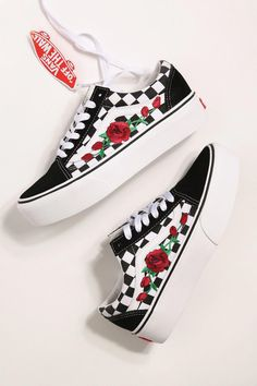 b3696ee2b46 Custom Rose Vans Old Skool à carreaux rouge   Rose Rose Vans -