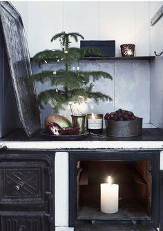 Christmas Cross, Winter Christmas, Christmas Home, Natural Christmas, Scandinavian Christmas, Yule Decorations, Christmas Decorations, Christmas Interiors, Jolly Holiday