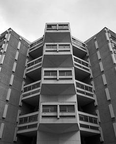 new-brutalism:  Weston Rise Estate, Pentonville, London, Howell, Killick, Partridge, & Amis for the GLC, 1965-1968